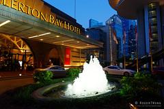 20170802-25-Fullerton Bay Hotel fountain (Roger T Wong) Tags: 2017 asia fullertonbayhotel rogertwong sel2470z singapore sony2470 sonya7ii sonyalpha7ii sonyfe2470mmf4zaosscarlzeissvariotessart sonyilce7m2 evening holiday vacation