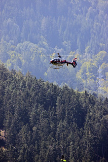 Austrian Police helicopter rescue ... (0626)