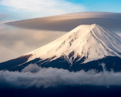 Fuji and cap cloud (shinichiro*) Tags: 20140501ds17726 2017 crazyshin nikond4s afsnikkor70200mmf28ged may spring yamanashi japan jp fuji capcloud 笠雲 36748839481 candidate