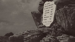 La Chiamata (Ro_.) Tags: monumentoaipartigiani fadalto bellunese lapide pietre montagne bn fujiflimxt2 grana