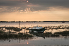 Pinasse (bertrandguimberteau) Tags: claouey paysage pinasse bateau leverdesoleil bassindarcachon