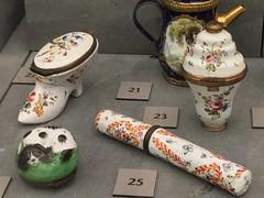Mackelvie collection goodies (SandyEm) Tags: 20september2017 mackelviecollection aucklandwarmemorialmuseum aucklandmuseum museumgallery