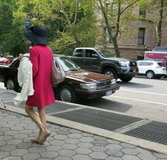 Thursday Colours - New York Style (Pushapoze (nmp)) Tags: newyorkcity centralpark cpw centralparkwest sidewalk trottoir hat chapeau