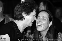 2017 Bosuil-Het publiek bij Sass Jordan en Layla Zoe 23-ZW