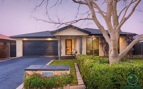 4 Victa Place, Dunlop ACT