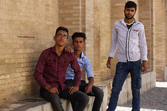 The coolest teenagers of Isfahan (Manuel Beusch) Tags: esfahan iran pole khaju iranian teenager