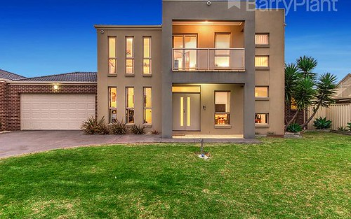 16 Woodsdale Ct, Cairnlea VIC 3023