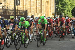 Prudential Ride London-Surrey Classic (Steve Dawson.) Tags: prudential ride london surrey classic world tour uci mens road race teams peloton speed lycra bikes british cycling whitehall canoneos50d canon eos 50d ef28135mmf3556isusm ef28135mm f3556 is usm 30th july 2017