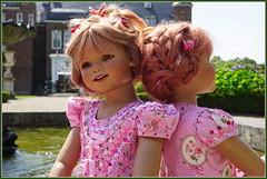 Tivi und Sanrike ... (Kindergartenkinder) Tags: schlossanholt dolls himstedt annette park kindergartenkinder sommer wasserburg sanrike tivi isselburg garten
