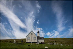 Skeggjastaðakirkja . (:: Blende 22 ::) Tags: historic historisch farmhouse church kirche clouds wolken blauerhimmel blue sky house green turf canoneos5dmarkiv ef2470f28liiusm skeggjastaðakirkja kirkja