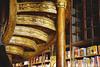 Libros (Luz De Melibea) Tags: juegolvm lvm escueladejackie tesorovueltaalmundo lavueltaalmundo libros oporto portugal
