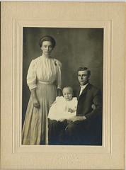 1910 or so - Wesley & Pearl Hauck family