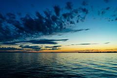 Blaue Stunde am Bodensee (heinrichvon) Tags: bodensee blaue stunde see himmel sky light licht wolken clouds sunset sonnenuntergang sony weitwinkel landschaft wide landscape hour nature water wasser natur