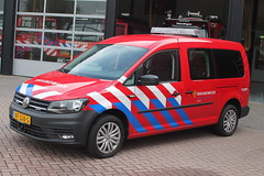 17-9071 (Jeffrey van Buuren Emergency Vehicles) Tags: brandweer feuerwehr pompiers brandweerwagen emergency fire department firetruck dutch firefighting vehicle nederland netherlands
