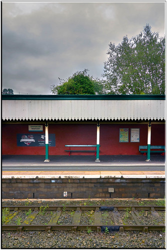 platform 2 Drenewydd