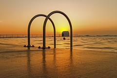 Arched Sunrise (Sterling67) Tags: sunrise gold golden silhouette merewether oceanbaths 2470 7d