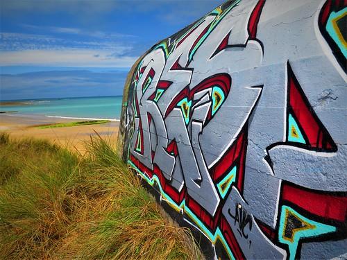 ww2 bunker & graffitti