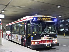 Toronto Transit Commission 1009 (YT | transport photography) Tags: ttc orion vii 7 bus toronto transit commission