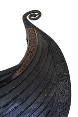 Viking Curves (Woody H1) Tags: oslo norway museum viking ship oseberg archelogy history curves boat