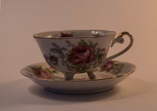 _ANTIQUE TEA CUP