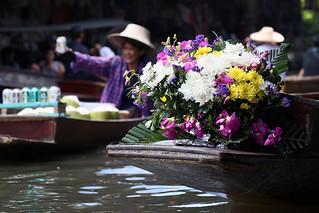 Thai gondolas