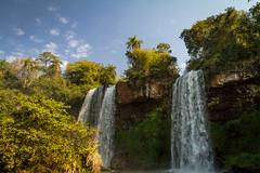 Salto dos hermanas - Iguazu (claudioromero) Tags: azul cascada iguazu falls sky landscape argentina canon tamron tamronsp1750mmf28diii canoneos7d 7d