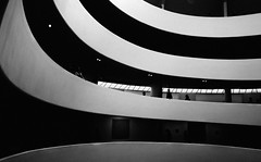 2718 (Panda1339) Tags: 28mm usa guggenheimmuseum summiluxq monochrome nyc architecture littlepeople lookdown blackandwhite manhattan leicaq