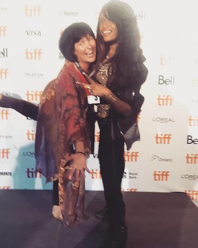 Having fun at #TIFF2017 😀❤❤💋💋 With @showbizliztaylor 😀😀 #funredcarpet #tiffredcarpet #torontotiff