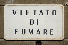 vietato di fumare#96775el (Bazar del Bizzarro) Tags: sign signboard italian mistake error vietatofumare vietatodifumare errore cartello sbaglio segnale
