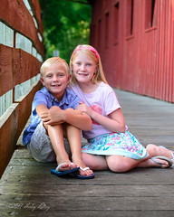 Siblings (shirley319) Tags: 2017 botanicalgardens d600 july kellie lakeofthewoods layne maberygelvinbotanicalgarden maddie mahomet olsens coveredbridge portraits red siblings illinois unitedstates