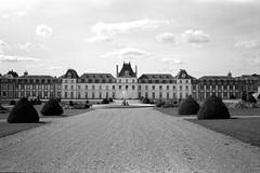 Château des Vaux (Philippe_28) Tags: saintmauricesaintgermain 28 eureetloir france europe pontgouin perche château castle vaux 24x36 argentique analogue camera photography film 135