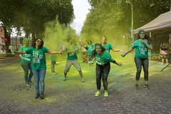 Dancing Greens (Red Cathedral [FB theRealRedCathedral ]) Tags: sonyalpha a77markii a77 mkii eventcoverage alpha sony colorrun sonyslta77ii slt evf translucentmirrortechnology spartacusrun mudrun ocr strongmanrun obstaclerun redcathedral streetart contemporaryart streetphotography belgium alittlebitofcommonsenseisagoodthing thecolorrun powder brussels bruxelles brussel colourrun holi havenlaan tourtaxis girlsrunning green groen thehappiest5kontheplanet