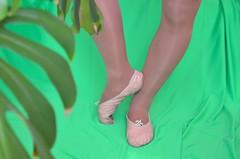 Piškoty a sedmikrásky (042) (Merman cvičky) Tags: balletslippers ballettschläppchen ballet slipper ballerinas slippers schläppchen piškoty cvičky ballettschuhe ballettschuh punčocháče pantyhose strumpfhosen strumpfhose tights collants medias collant socks nylons socken nylon spandex elastan lycra