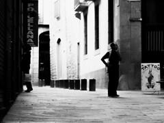 Observador (joaopaulof) Tags: streetphotography campesinoincoherente fotografiacallejera pretoebranco barcelonaexperience barcelonastreet barcelona blancoynegro blackwhite soledad urbano joaopaulofreire joãopaulofreire