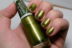 1C 10M 10A # Magnético: Cana Black - Bruna Marquezine (Ludurana). (Raíssa S. (:) Tags: olive cintilante magnético degradê ludurana esmalte unhas nails nailpolish naillacquer nailpainting green verde oliva