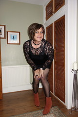 London 06/09/17 (Victoria HS) Tags: tgirl tgurl hot horny sexy leather skirt tights tv tg transvestite transgender cd crossdresser ankleboots leatherskirt