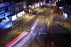 Eindhoven miniature (Elios.k) Tags: horizontal outdoors people two man woman couple standing smartphoneinhand colour color tiltandshiftlens perspective dof depthoffield shallowfocus miniatureeffect longexposure cars traffic streak lights street road viewfromabove highvantagepoint birdeyeview night dark centre city eindhoven northbraband noordbrabant nederland thenetherlands europe march 2017 canon 5dmkii photography bicycles lane bokeh