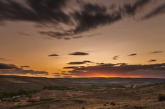 Campos de Castilla (Amparo Hervella) Tags: molinadearagón guadalajara españa spain atardecer nube paisaje naturaleza largaexposición d7000 color nikon nikond7000 comunidadespañola