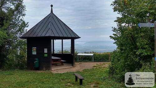 Schutzhütte GAGA mit Blick zum Binger Loch