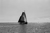 Plattboden (Heiko H.) Tags: leica r8 kodak trix holland ijsselmeer segelboot