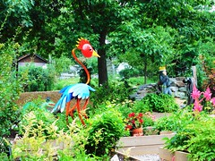 LOOKS LIKE THE QUEENS GREEN GARDEN (Visual Images1 (Thanks for over 4 million views)) Tags: discoverystorygarden binghamton newyork hggt gorgeousgreenthursday
