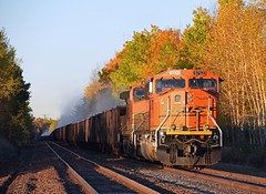 Golden Morning (Missabe Road) Tags: bnsf 9752 allouez oretaconite