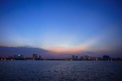 (Dương Thành Tâm) Tags: city cityscape lake sky twilight sunset dusk hànội hoànghôn