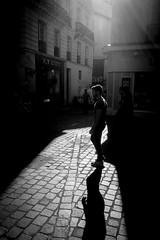 Bercer d'obscurité (Maestr!0_0!) Tags: nantes rue street france french city ville people candid pave noir blanc black white fuji xpro