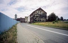 Chorzów, Poland. (wojszyca) Tags: contax g2 zeiss biogon 21mm agfa ct precisia 100 urban decay street house postindustrial wasteland