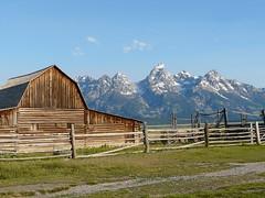 Moulton Barn and Grand Teton (jb10okie) Tags: travel grandteton grandtetonsnationalpark vacation usa mountains nps summer wyoming 2017