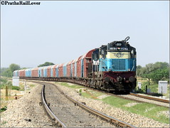 ALCO Twins with BCNHL in Rajasthan (PrathzRailLover) Tags: nwr wdm3a diesellocomotives bcnhl railfanning photography trains freight rajasthan naraina alco indianrailways irfca