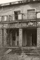 _MG_8119 (daniel.p.dezso) Tags: kiskunlacháza kiskunlacházi elhagyatott orosz szoviet laktanya abandoned russian soviet barrack urbex ruin military base militarybase
