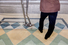 #16 Bend (jobChaowadee) Tags: leg bend pole geometry street juxtaposition sony a9 leica elmaritm 28mm asph bangkok thailand