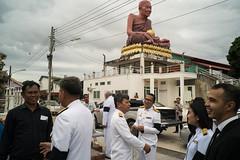* (Sakulchai Sikitikul) Tags: street snap streetphotography songkhla sony 28mm voigtlander hatyai a7s temple watkoksamankun